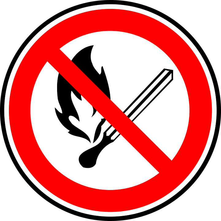 Sign saying that it is forbidden to make fire