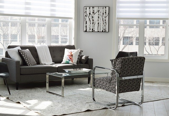 Living room - Learn how to pack and move a living room.