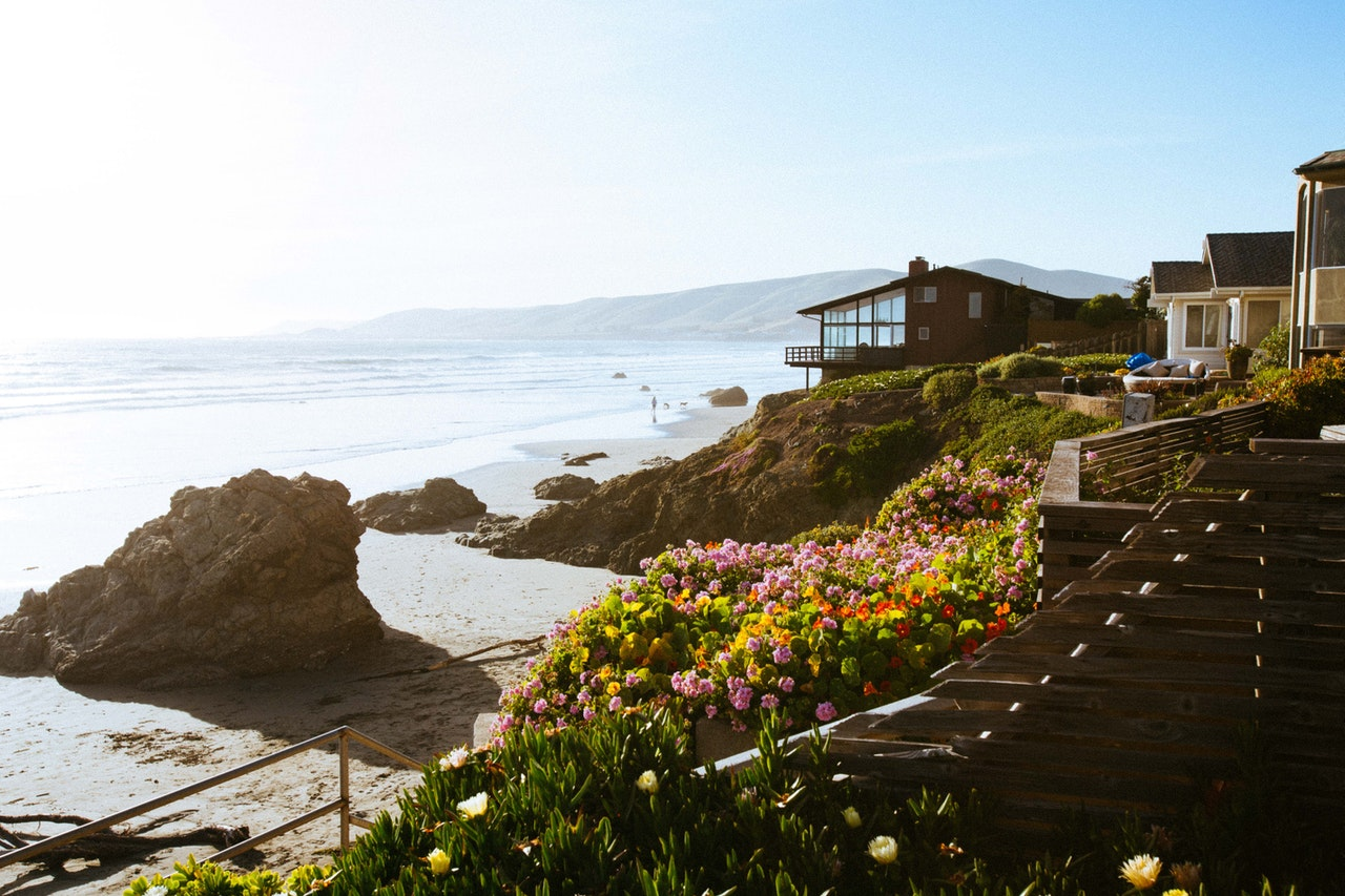 A house on the seashore